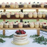 Wooden Cupcake Stand, Photo:  Josephiney Photography